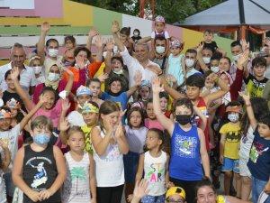 Başkan Uysal, Teneffüs Park'ta çocuklarla eğlendi