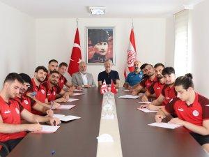 Antalyaspor hentbol takımında imzalar tamamlandı