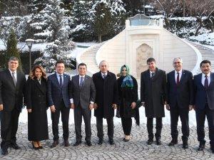 Tütüncü Ankara'dan  müjdelerle dönüyor