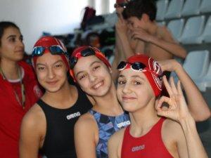 Yüzücülere  milli davet