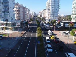 Sinanoğlu Caddesi'ne  kaymak gibi asfalt