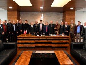 Başkan Adayı Böcek, CHP'li isimleri ağırladı
