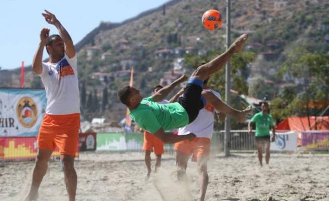 Plaj Futbolunun Şampiyonu LOKOMOTIV BSC