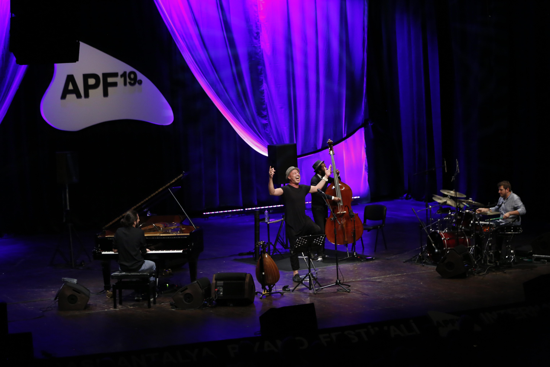 Avrupa'dan Piyano Festivaline Övgü Dolu Kutlama