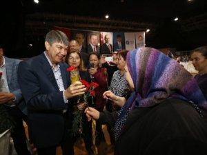 Başkan Türel kadın  çalışanlarla buluştu