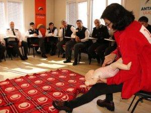 Antalya şoförlerine ilk yardım eğitimi