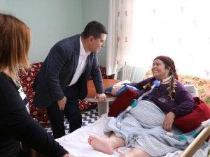 Tütüncü'den hasta  ve yaşlılara ziyaret