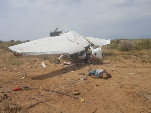 Eğitim uçağı düştü:  1 ölü, 2 yaralı