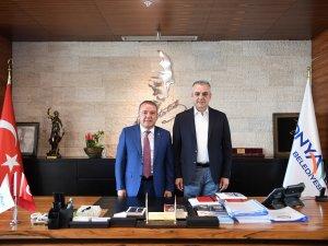 Başkan Semih Esen, Muhittin Böcek'i ağırladı
