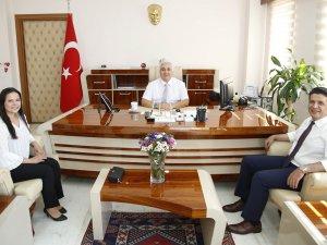 Başkan Genç, İlçe Kaymakamı Cantürk ve Rektör Ünal'ı ziyaret etti