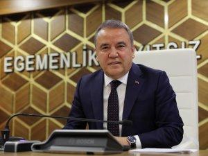Başkan Böcek'ten 15 Temmuz'da ücretsiz ulaşım müjdesi