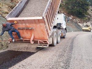 Koşdavut Yaylası'nda  asfaltlama çalışması