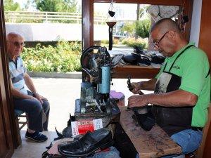 Ayakkabıcı esnafı Türel'e duacı