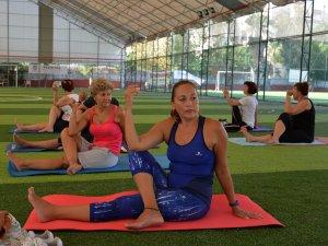 Muratpaşa Belediyesi'nden sağlıklı yaşam için egzersiz kursu