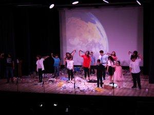 Konyaaltı Belediyesi Çocuk Tiyatrosu sahne aldı