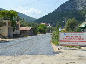 Büyükşehir, Akseki Güçlüköy Mahalle yollarını asfaltlıyor