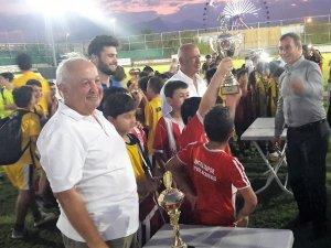 Spor Okulları Yaz Ligi'nde kupa heyecanı yaşandı