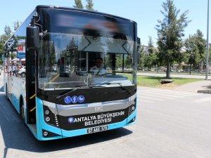 Başkan Böcek'ten 30 Ağustos'ta ücretsiz ulaşım müjdesi