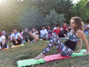 Özel çocuklara yoga kursu