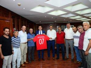 Futbolun temsilcilerinden başkanlara ziyaret