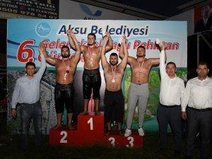 Aksu'da muhteşem güreş