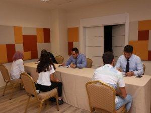 İş arayanlar ile işverenler Kepez'de buluştu