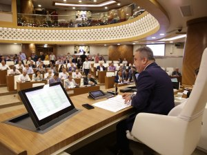 Büyükşehir Belediye Meclisi 106 gündem maddesi ile toplandı