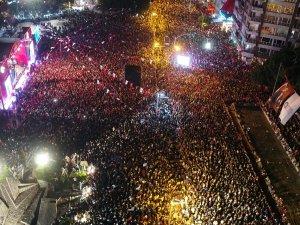 On binler Cumhuriyet'i kutladı