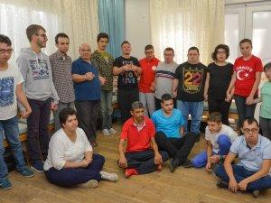Özel çocuklar Aksaray'a sessiz kalmadı