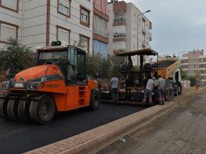 Dün kazındı bugün asfalt dökülüyor