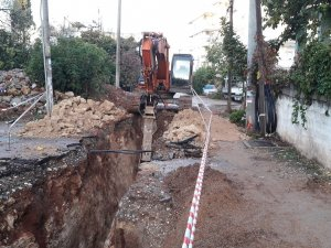 ASAT'tan Kızıltoprak'a kanalizasyon hattı
