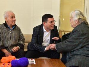 Kepez'in yaşlıları da ayrıcalıklı