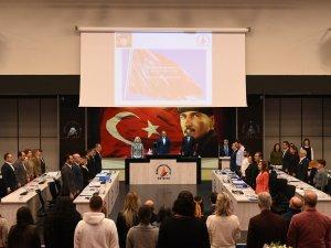 Meclis İstiklal Marşı'yla açıldı