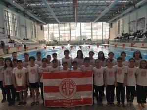 Antalyaspor yüzme takımından 78 madalya