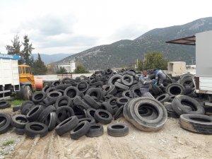 Finike'de atık lastikler geri dönüşüme kazandırıldı