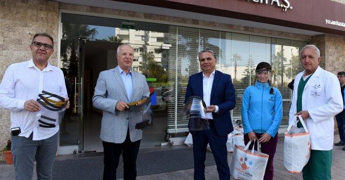 Muratpaşa'dan sağlık çalışanlarıyla dayanışma