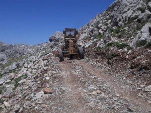 Büyükşehir Akseki'de göçerlerin yolunu yaptı