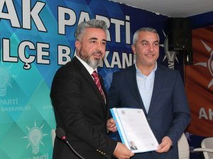 Karataş AK Parti'den aday oldu