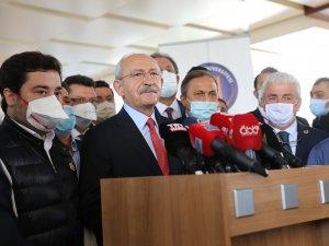 CHP Genel Başkanı Kılıçdaroğlu Başkan Böcek'i hastanede ziyaret etti