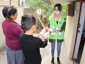 Serik ve Gazipaşa'da öğrencilere tablet desteği