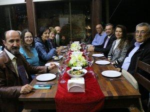 ATAV ressamları gala yemeğinde ağırladı