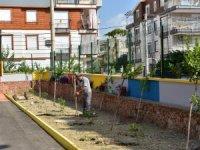 Kepez'den anaokulu bahçesine peyzaj düzenlemesi