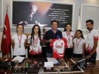 Döşemealtı'nın Altın Pedalları Türkiye Şampiyonu