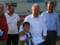 Yaz okulunu bitiren çocuklar sertifikalarını aldı