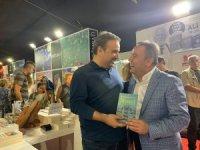 Antalyalı kitapseverlerden yazarlara yoğun ilgi