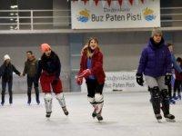 Muratpaşa'dan buz pateni kursu