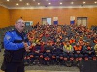 Emniyet'ten belediye personeline seminer