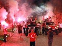 Mobil Fener Alayı Antalya'yı aydınlattı