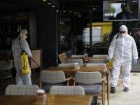 Büyükşehir kafe ve restoranları dezenfekte ediyor