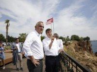 Bakan Ersoy ve Başkan Türel Konyaaltı Sahili'ni gezdi
